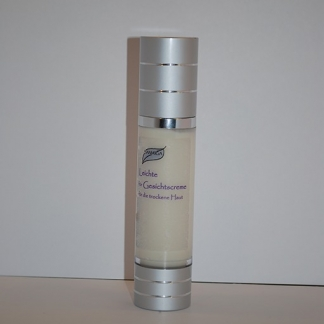 Leichte Gesichtscreme für trockene Haut